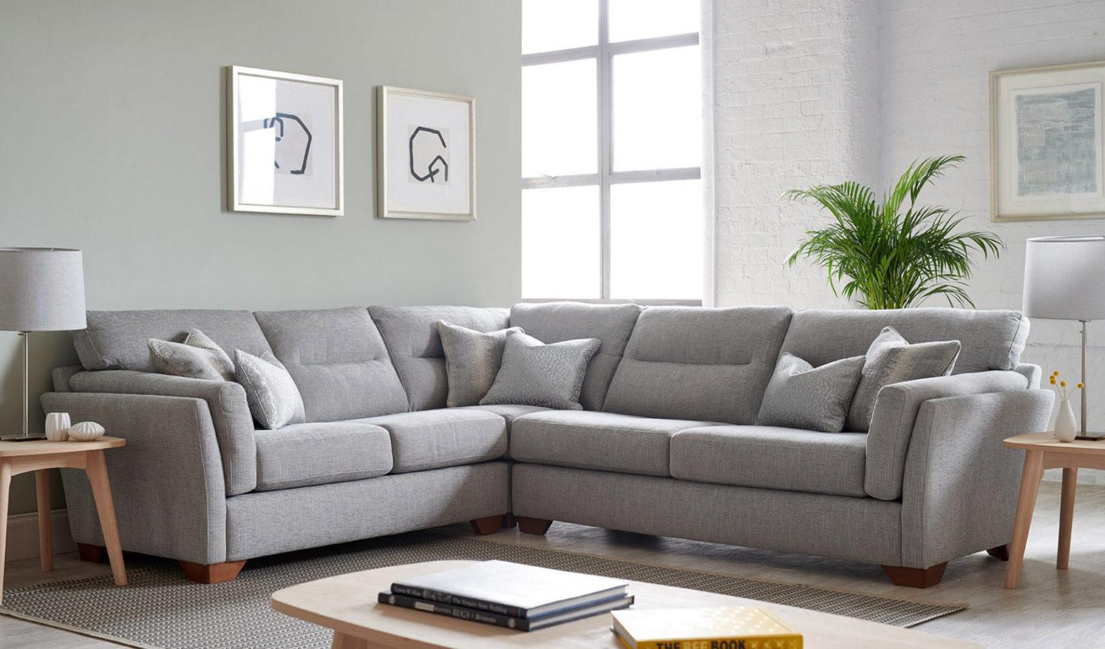 Что вам нужно знать о тканевых угловых диванах